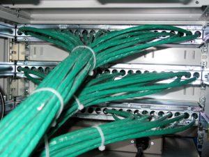 Mit Kabelbindern für Ordnung sorgen